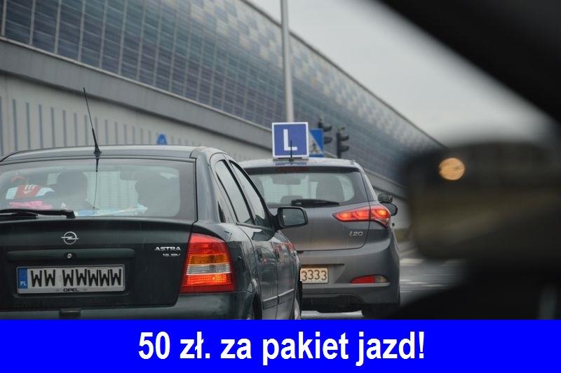 samochod-nauka-jazdy-z-elka-na-dachu